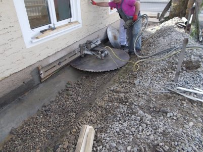 Bevorzugt Mauertrockenlegung - Garantiert trockene Mauern DX33